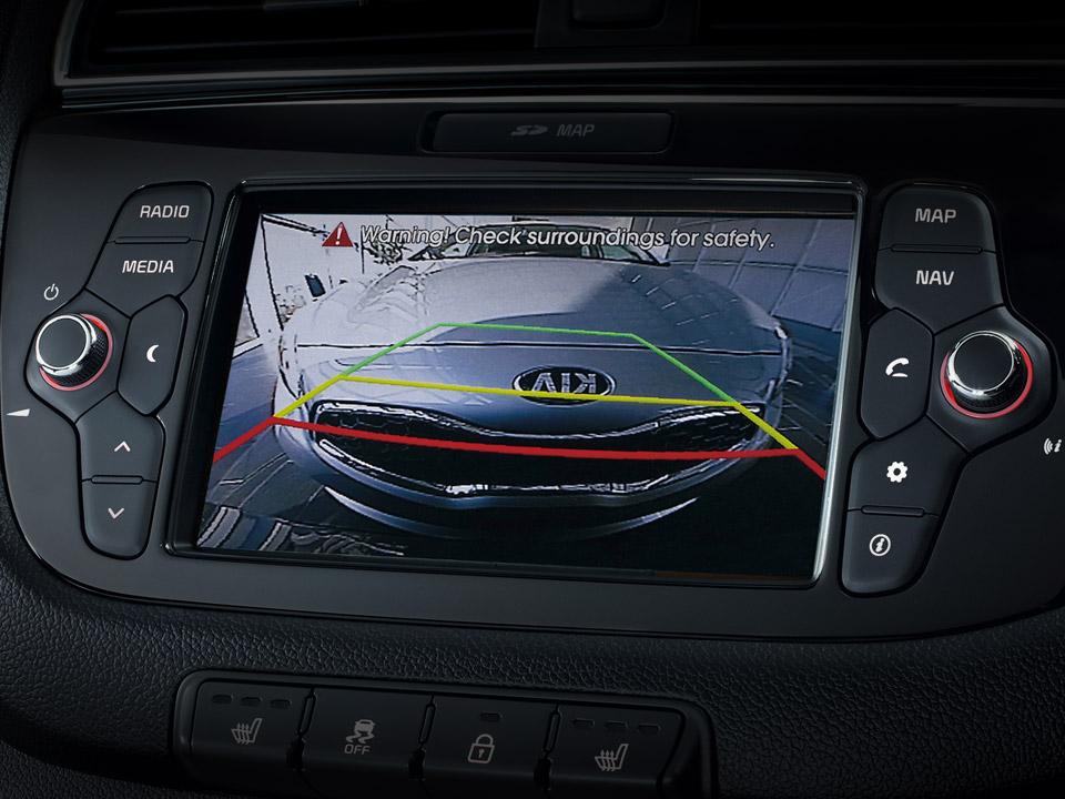 Sistem de navigare + Bluetooth + Cameră vedere mers înapoi + DAB